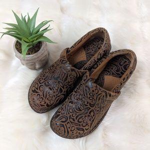 B.o.c. brown leather clogs